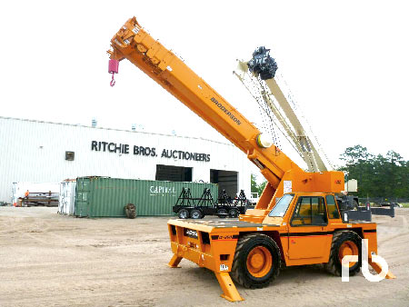 2004 Manitowoc 777 Epic Series II 200 Ton Self-Erecting crawler crane – St. Louis, MO