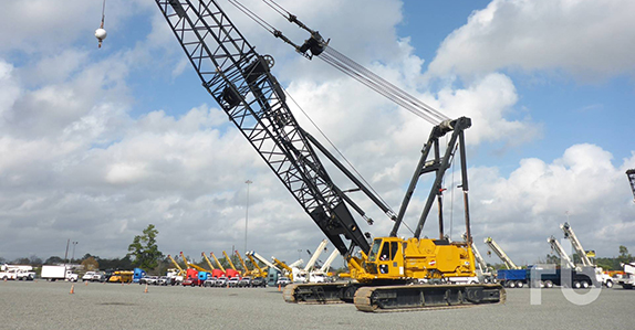 this 1995 Manitowoc M250 series 1 & 2 300-ton self-erecting crawler crane is selling in Houston (Feb. 15-16)