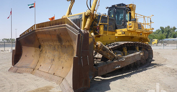 2011 Komatsu D475A-5EO bulldozer sold at a Ritchie Bros. equipment auction.