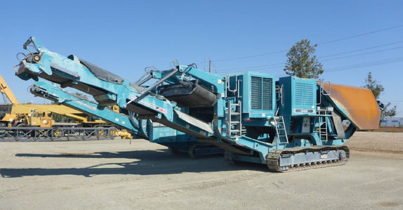 2013 Powerscreen XA400S crawler jaw crushing plant sold in auction by Ritchie Bros.