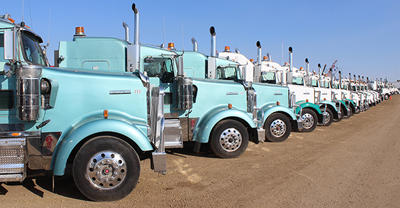 Multiple solutions to sell used commercial trucks, tractors and trailers