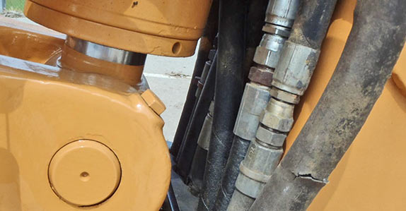 Loader backhoe inspection tips from Ritchie Bros. and IronPlanet.