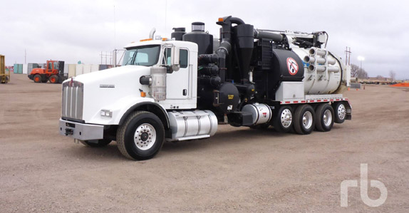 2015 Kenworth T800 quad/A hydro vac truck sold in auction by Ritchie Bros.
