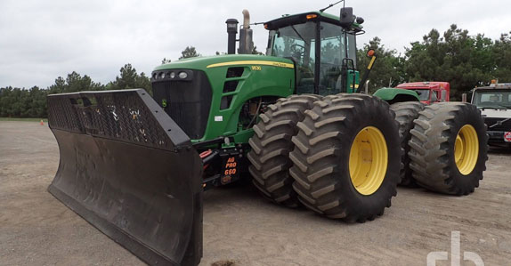 2009 john deere 4wd tractor sold by Ritchie Bros. Auctioneers