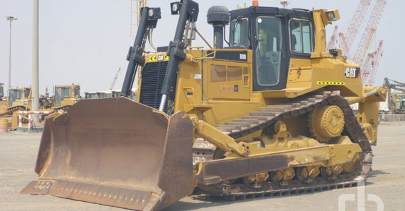 2015 Caterpillar D8R crawler tractor sold by Ritchie Bros.