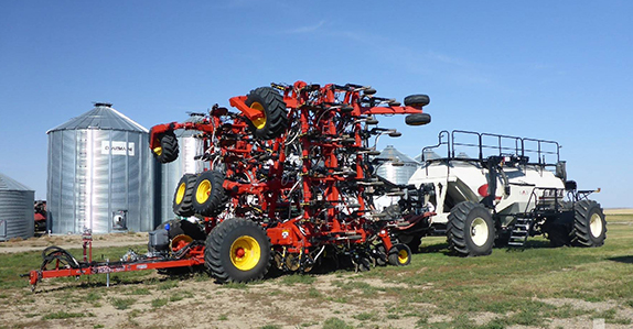 2015 Bourgault 3320PHD QDA 76ft air drill sold by Ritchie Bros. Auctioneers