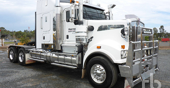 2013 Kenworth T909 6x4 prime mover sold at Ritchie Bros. auction