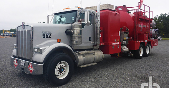 2015 Kenworth W900 hot oil trucks sold at Ritchie Bros. auction
