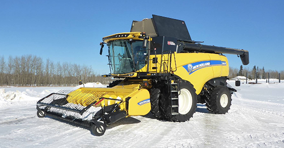 2018 New Holland CX8.90 combine sold by Ritchie Bros. Auctioneers