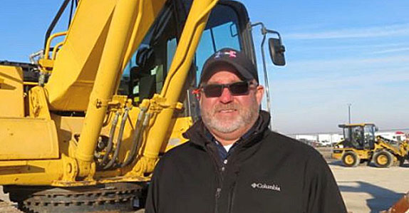 Heavy equipment dealer sells via Ritchie Bros.' Marketplace-E