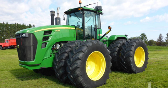 John Deere 9430 4WD tractor sold by Ritchie Bros.