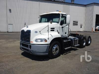 2017 MACK CXU613 Pinnacle Day Cab Truck Tractor (T/A