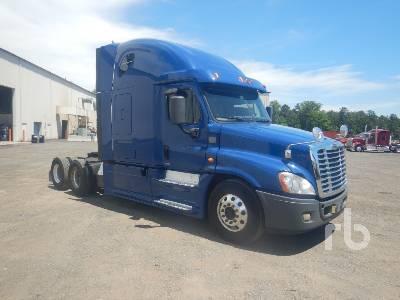 2014 FREIGHTLINER CASCADIA Evolution Sleeper Truck Tractor (T/A) Lot