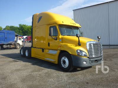 2014 FREIGHTLINER CASCADIA Sleeper Truck Tractor (T/A) Lot