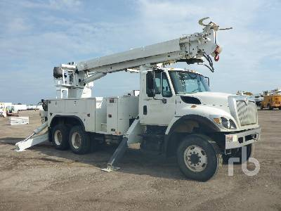 2014 INTERNATIONAL 7400 6x6 w/Altec D4050BT Digger Derrick