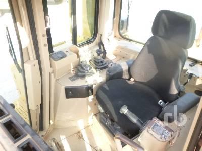 2011 CATERPILLAR D8R Crawler Tractor Lot #125 | Ritchie Bros
