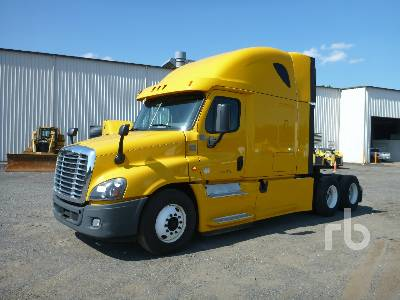 2014 FREIGHTLINER CASCADIA 125 Sleeper Truck Tractor (T/A