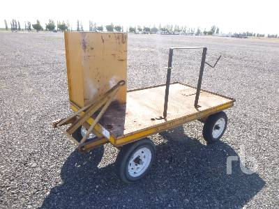 CUSTOMBUILT 2/Axle Farm Wagon Agricultural Equipment - Other