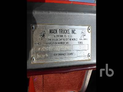 Detail photo of 1997 Mack CH613 from Construction Equipment Guide