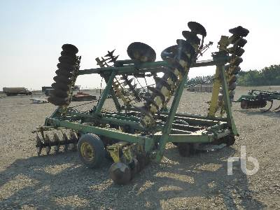 Detail photo of  John Deere T0330 from Construction Equipment Guide