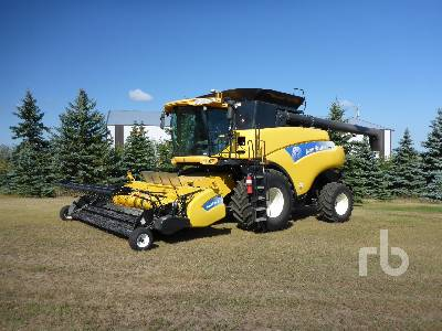 Detail photo of 2011 New Holland CR9060 from Construction Equipment Guide