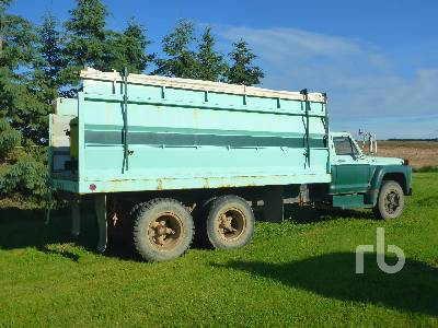 Detail photo of 1975 Ford F700 from Construction Equipment Guide