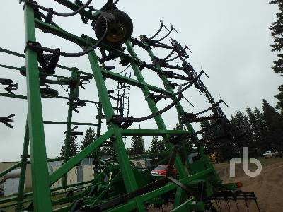 Detail photo of  John Deere 680 from Construction Equipment Guide