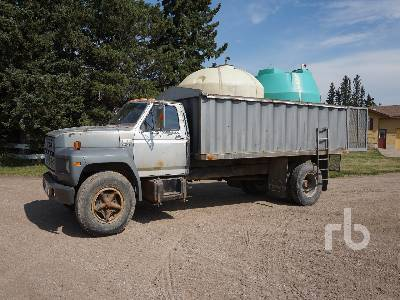 Detail photo of 1983 Ford F700 from Construction Equipment Guide