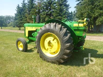 Detail photo of 1959 John Deere 830 from Construction Equipment Guide