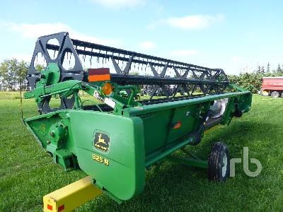 Detail photo of 2002 John Deere 925 from Construction Equipment Guide