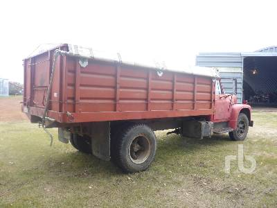 Detail photo of 1970 International LOADSTAR 1600 from Construction Equipment Guide