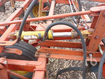 Detail photo of 1981 MORRIS L-233 CHALLENGE from Construction Equipment Guide