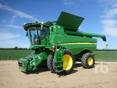 Detail photo of 2015 John Deere S670 from Construction Equipment Guide