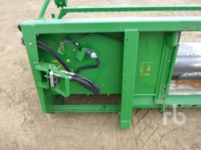 Detail photo of 2001 John Deere 914P from Construction Equipment Guide