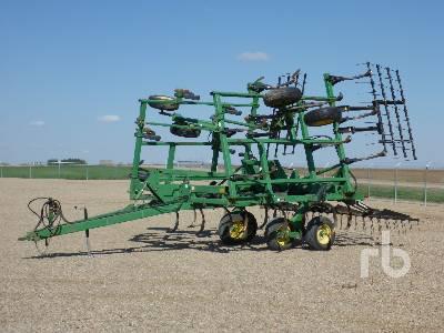 JOHN DEERE 680 30 Ft Chisel Plow Cultivator