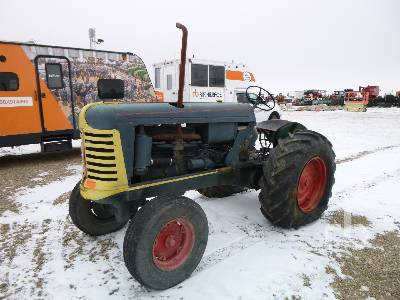 OLIVER 88 2WD Antique Tractor