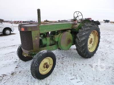 1952 JOHN DEERE R 2WD Antique Tractor