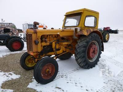 MINNEAPOLIS MOLINE GB 2WD Antique Tractor