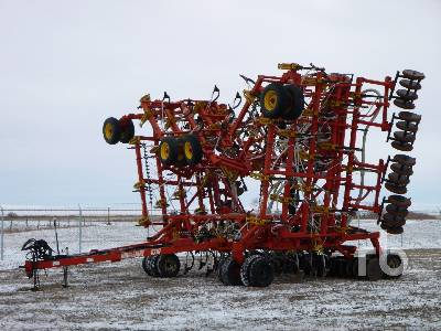1998 BOURGAULT 5710 64 Ft Air Drill