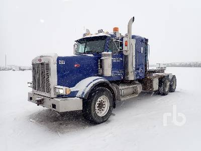 2001 PETERBILT 378 T/A Sleeper Winch Tractor