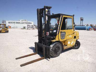 2004 CATERPILLAR DP40K Forklift