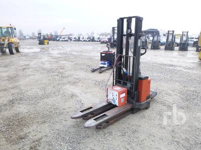 2005 BT SWE120 1200 Kg Electric Pallet Jack