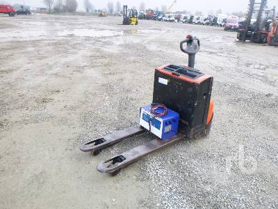 2011 BT LWE160 1600 Kg Electric Pallet Jack