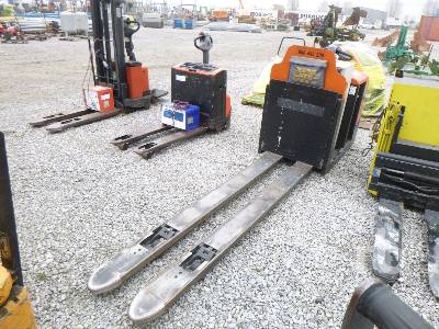 2003 BT OL20 F.2650 Electric Pallet Jack