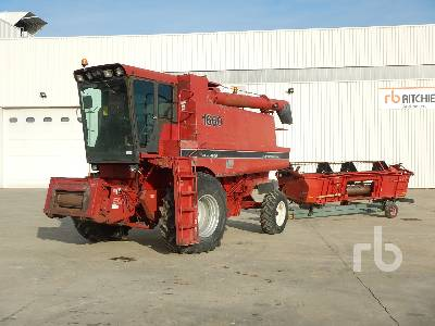 1989 CASE IH 1660E Small Grain Combine