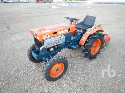 KUBOTA B7000 4WD Utility Tractor