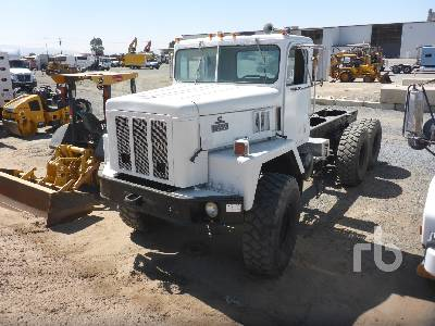 International 7400 SFA 6x6 (2004) Cab and Chassis Specs