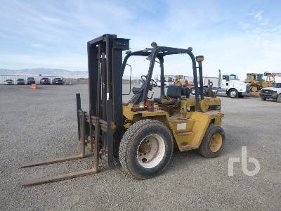 CATERPILLAR R40 4000 Lb Rough Terrain Forklift
