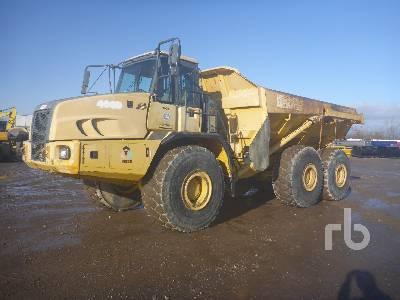 2005 JOHN DEERE 400D Articulated Dump Truck