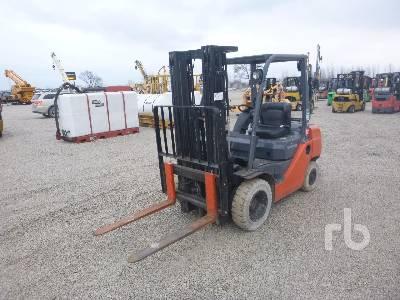 2013 TOYOTA 8FGU25 4500 Lb Forklift